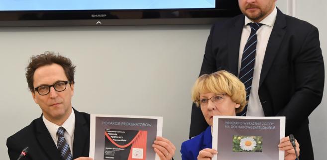 Konferencja prasowa w sprawie wynagrodzeń pracowników sądów i prokuratury w Sejmie.