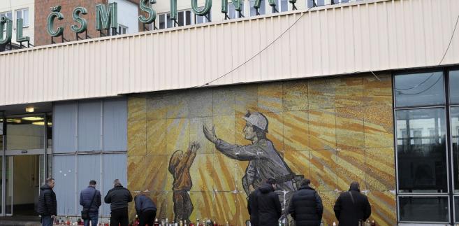 W kopalni CSM w Stonawie koło Karwiny na zachodzie Czech doszło 20 grudnia do eksplozji metanu i pożaru, w których zginęło 13 górników, w tym 12 Polaków i jeden Czech