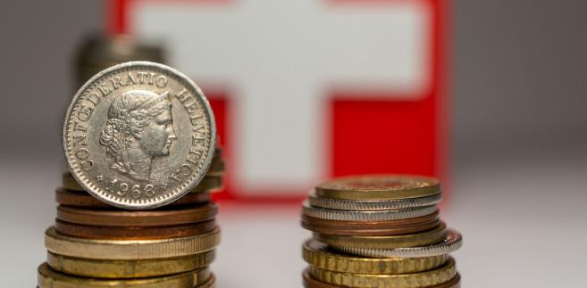 Według szacunków pomoc frankowiczom będzie obciążeniem dla banków w wysokości 2,5-3,2 mld zł rocznie.