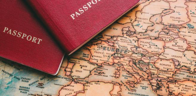 Szef MSZ Rosji Siegiej Ławrow powiedział w czwartek, że Rosja i Białoruś wkrótce podpiszą umowę o jednolitym trybie wydawania wiz, co powinno ułatwić przekraczanie granicy między tymi krajami przez obywateli tzw. państw trzecich. Należą do nich państwa UE.