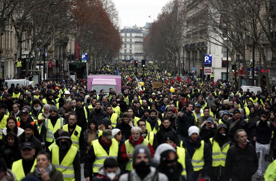 Paryż - marsz żółtych kamizelek