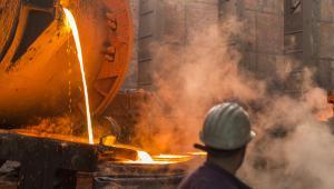 Po publikacji raportu z posiedzenia Fed umocnił się amerykański dolar, a to zniechęca inwestorów do kupowania m.in metali przemysłowych wycenianych w USD.