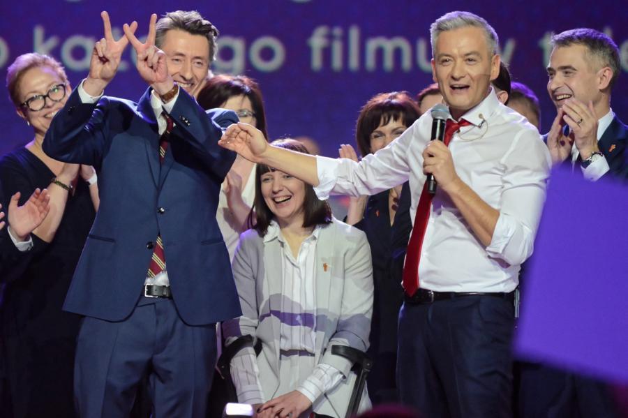 Robert Biedroń i Maciej Gdula na konwencji partii Wiosna