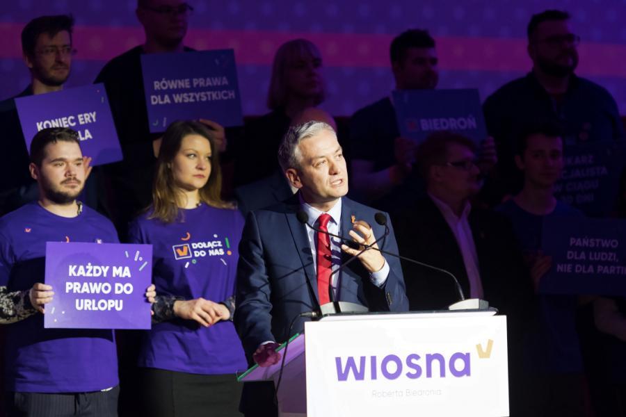 Lider partii Wiosna Robert Biedroń podczas konwencji regionalnej partii, 10 bm. w Białymstoku