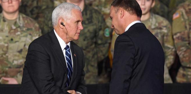 Nie możemy się doczekać współpracy z Polską m.in. w rozwijaniu energetyki jądrowej - oświadczył w środę w Warszawie wiceprezydent USA Mike Pence. Odnotował też zaangażowanie Polski w sprzeciw wobec Nord Stream 2 i w obronę sektora telekomunikacyjnego przed Chinami.