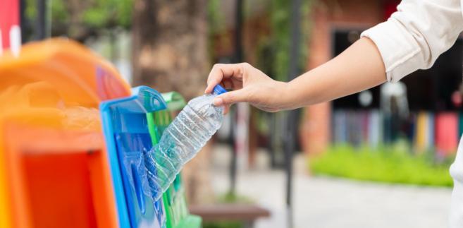 Liczenie recyklingu po polsku: Stare dane, niewłaściwy podział odpadów i układy
