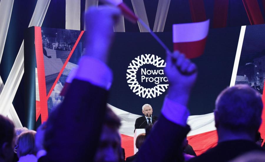 Prezes PiS Jarosław Kaczyński przemawia podczas Konwencji Prawa i Sprawiedliwości