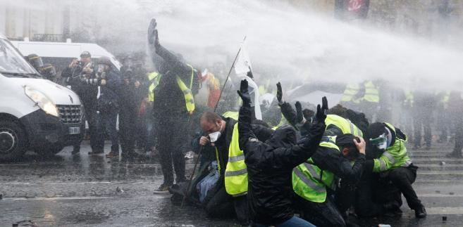 Protest żółtych kamizelek
