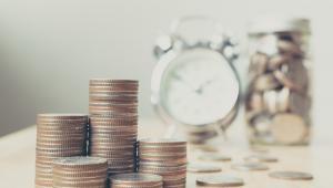 """Świadczenie """"Emerytura plus"""", czyli plan zakładający wypłatę """"trzynastki"""" dla emerytów i rencistów w wysokości najniższej emerytury, ma obowiązywać od 1 maja."""