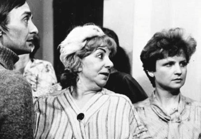 """Zofia Czerwińska w serialu """"Alternatywy 4"""" (1983)"""