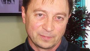 Alaksander Smalianczuk jest białoruskim historykiem, profesorem Instytutu Slawistyki PAN. Zajmuje się m.in. polityką historyczną i historią mówioną