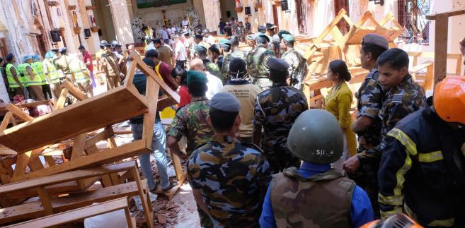 Państwo Islamskie bierze odpowiedzialność za zamachy na Sri Lance