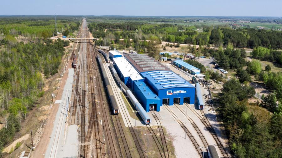 Przebudowywana Centralna Magistrala Kolejowa w Idzikowicach