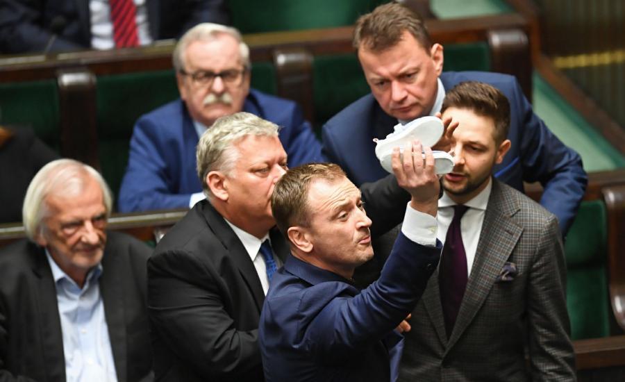Nocne głosowania w Sejmie