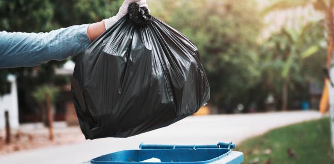 Nielegalna metoda opłat za śmieci