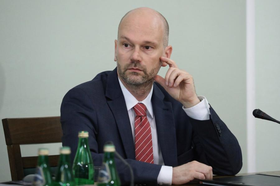 Były prezes Rządowego Centrum Legislacji, b. sekretarz Rady Ministrów Maciej Berek podczas przesłuchania