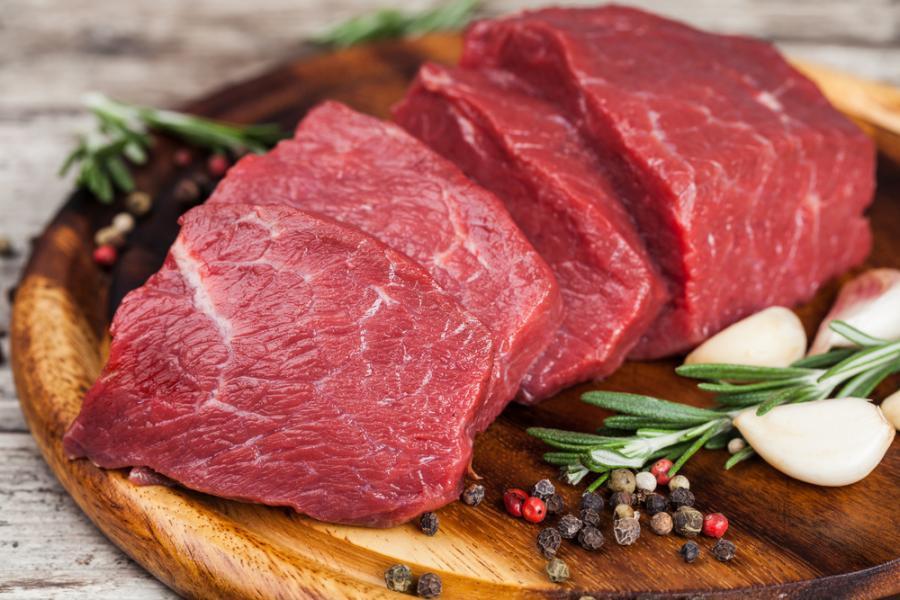 Wołowina. Mięso. Surowe mięso