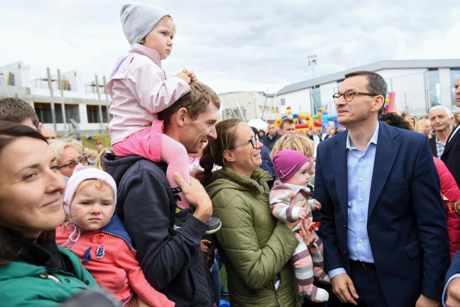 Premier Mateusz Morawiecki uczestniczy w rodzinnym, wakacyjnym festynie bezpieczeństwa w Kielnie
