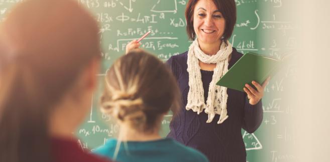 Upublicznianie zarobków nauczycieli budzi wątpliwości związkowców
