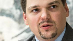 """Stefan Artymowski historyk, autor książki """"Plan zagłady Warszawy""""."""
