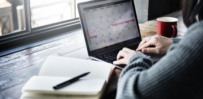 Dni wolne od pracy 2020: Kiedy wziąć wolne i mieć długi weekend