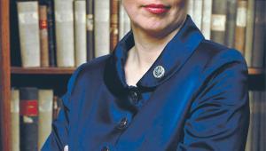 dr Monika Strus-Wołos, adwokat, specjalizuje się w procedurze cywilnej i w prawie upadłościowym. Przez wiele lat członek Komisji Praw Człowieka przy NRA. Autorka wielu publikacji z zakresu prawa cywilnego, procedury cywilnej oraz funkcjonowania adwokatury