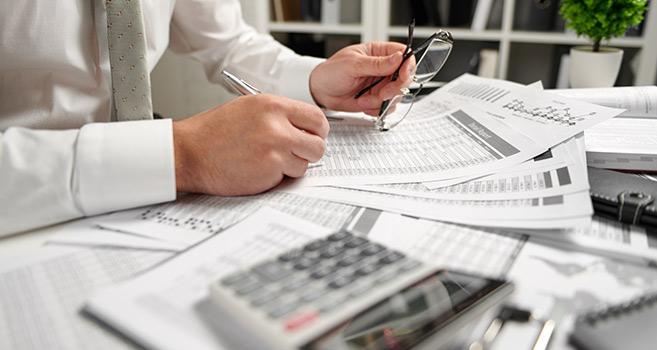 Split payment a płynność finansowa. Czy mechanizm podzielonej płatności zawsze oznacza straty?