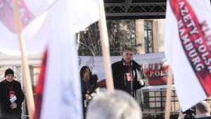 Przemawiał m.in. redaktor naczelny Gazety Polskiej Tomasz Sakiewicz