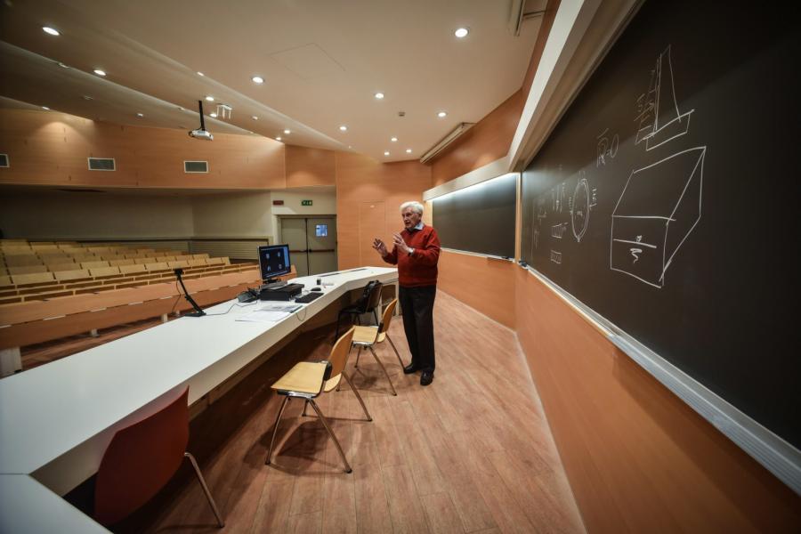 koronawirus Włochy 3 uczelnia