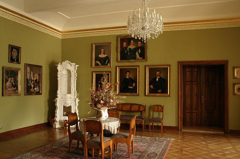 Muzeum Historyczne w Bielsku-Białej, Salon Biedermeierowski, fot. Graczyk, CC-BY-SA-2.5