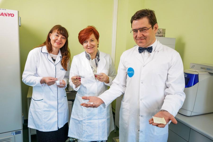 Eureka 24 kwietnia 2020, Prof. dr hab n. med. Katarzyna Komosinska - Vassev , Prof. dr hab n. med. Krystyna Olczyk , Prof. dr hab. n. farm. Pawel Olczyk. Fot. Rafal KlimkiewiczEDYTOR.net