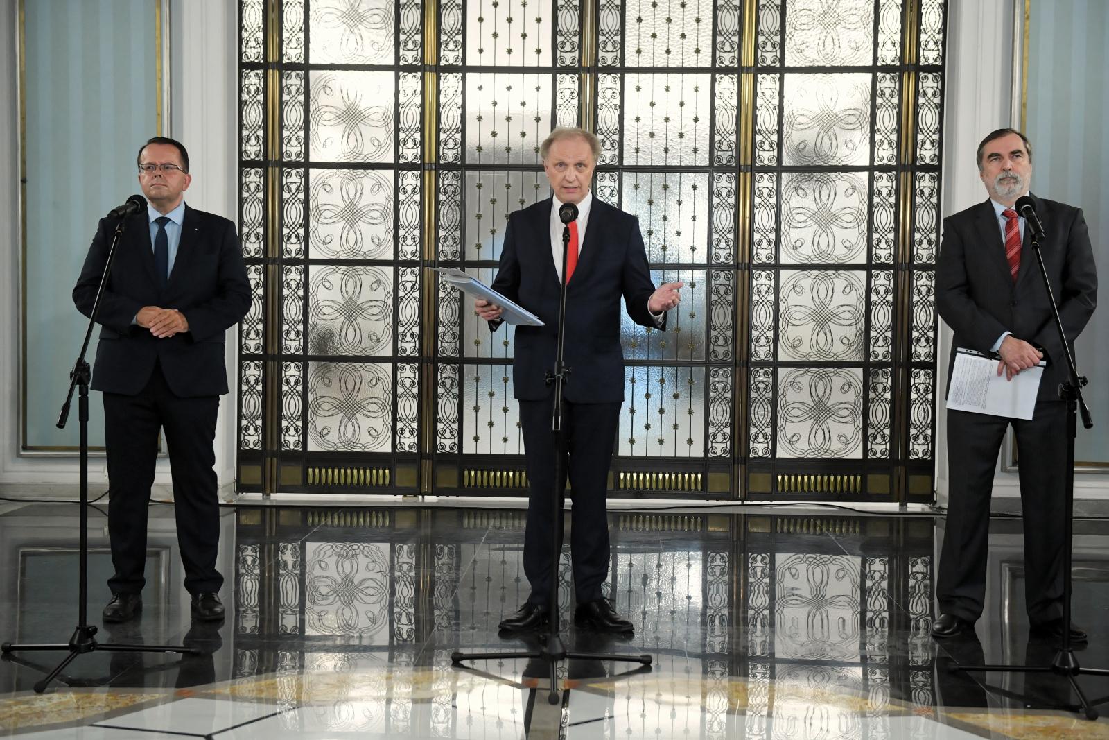 Posłowie partii Gowina: Nie ma podstawy, żeby Porozumienie wyszło ze Zjednoczonej Prawicy - GazetaPrawna.pl - biznes, podatki, prawo, finanse, wiadomości, praca -