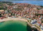 <strong>Region Burgas</strong> <br></br> Samo miasto Burgas znane jest m.in. z portu lotniczego, które obsługuje także loty z Polski. W mieście i jego okolicach turyści mają do wyboru wiele plaż oraz rozległe tereny zielone (parki i lasy).  <br></br>