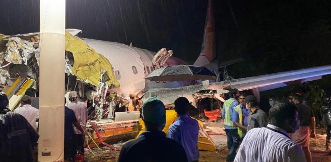 Samolot rozpadł się podczas lądowania