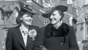 Kraków, maj 1940 r. Kobiety pokazywały, że choć warunki są ciężkie, to one się nie poddają. To był sygnał, że nie wszystko runęło, że wciąż istnieje jeszcze jakaś normalność. Fot. NAC