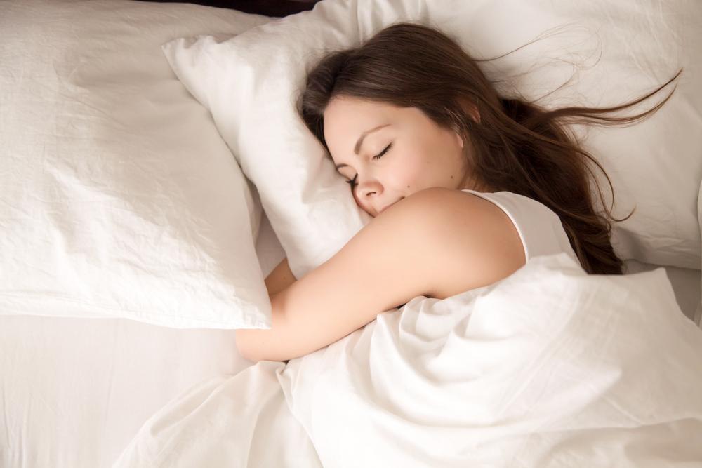 Wyższe zarobki wpływają na dobry sen pracowników [BADANIE]