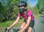 Minister zdrowia wyjaśnia przepisy o maseczkach w parkach i podczas jazdy na rowerze