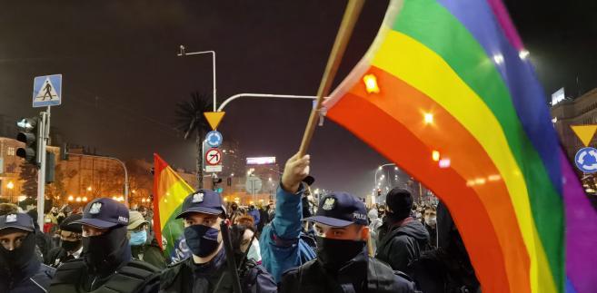 Strajk kobiet w Warszawie. Zobacz zdjęcia ze środowej manifestacji